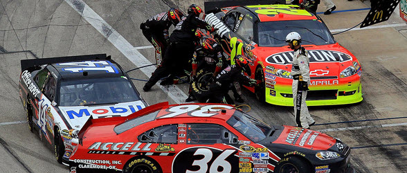 jeff gordon 2011 sponsor. Listen in on Jeff Gordon#39;s